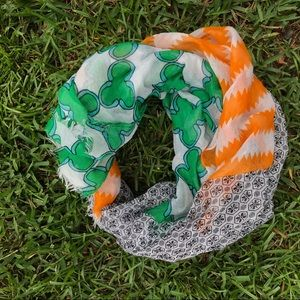 Scarf with 3 different patterns